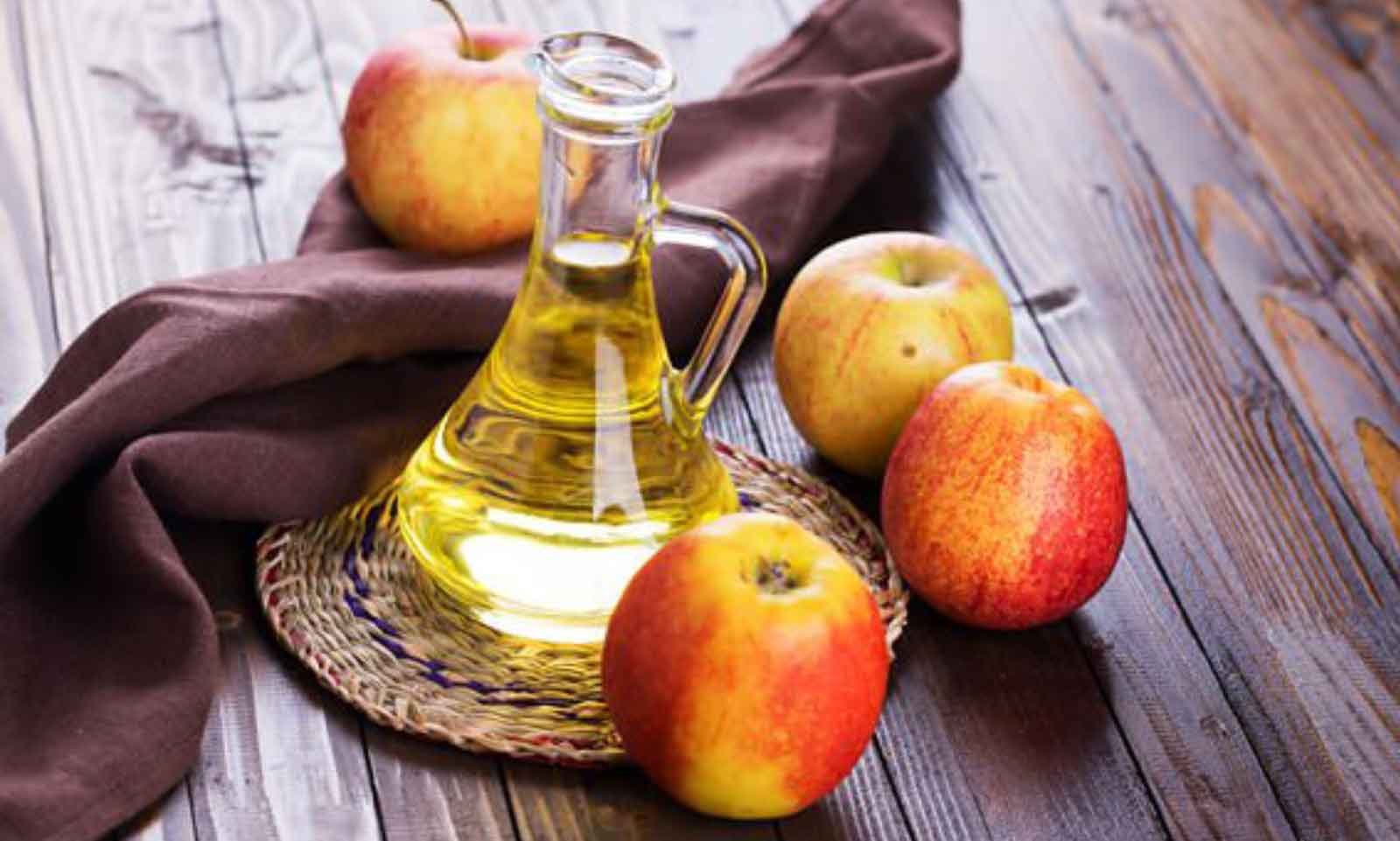 Apple Cider Vinegar: Benefits, Uses & Dosage
