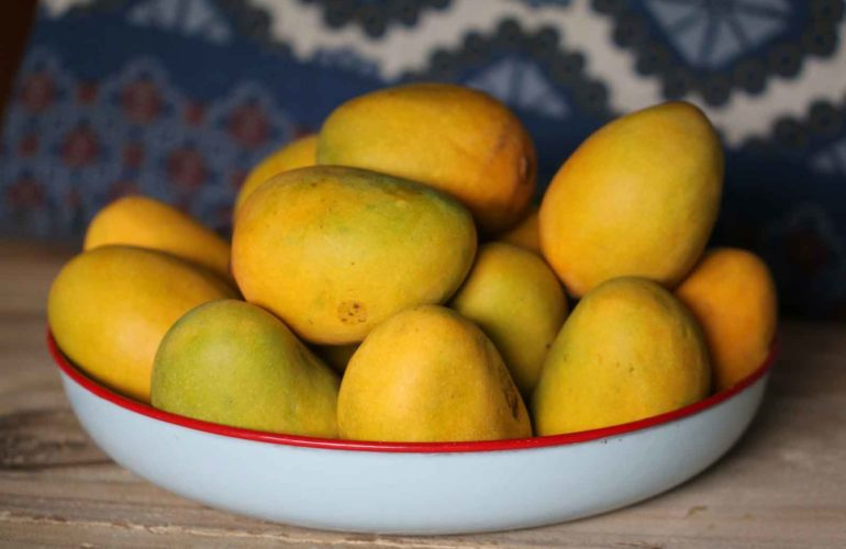 Mangoes: Nutrition, Benefits for Weight Loss